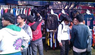 Grosir Kaos Distro Parahyangan Bandung Baju Distro Online Grosir Murah